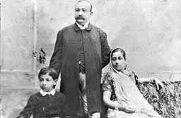 Chabildas Lalubhai with Second wife Kesarbai and son Janmejay